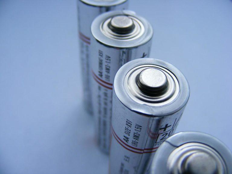 Jak działa akumulator kwasowo ołowiowy?