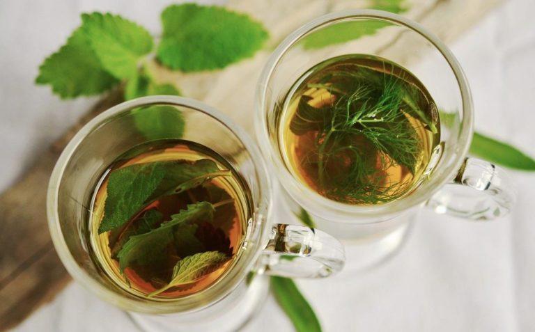 Popularne herbaty na wspomaganie trawienia i odchudzanie