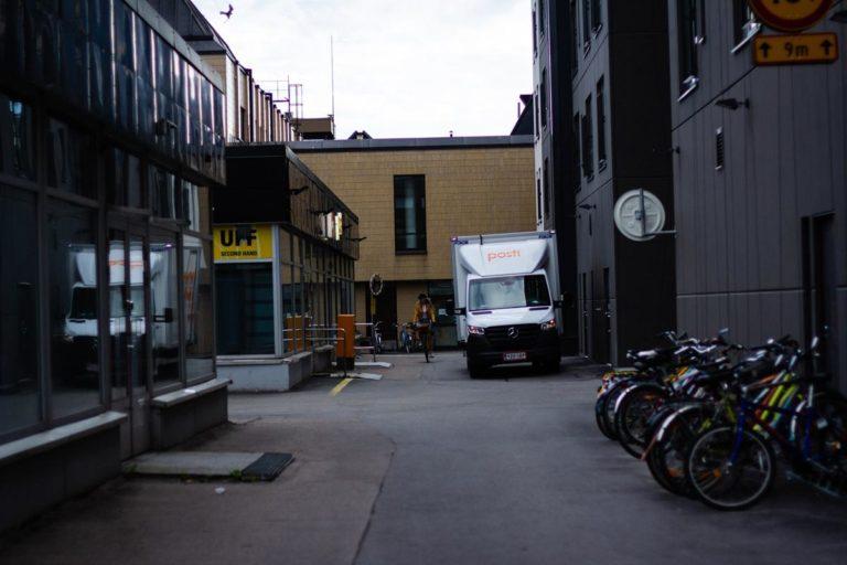 Auta dostawcze i ciężarowe