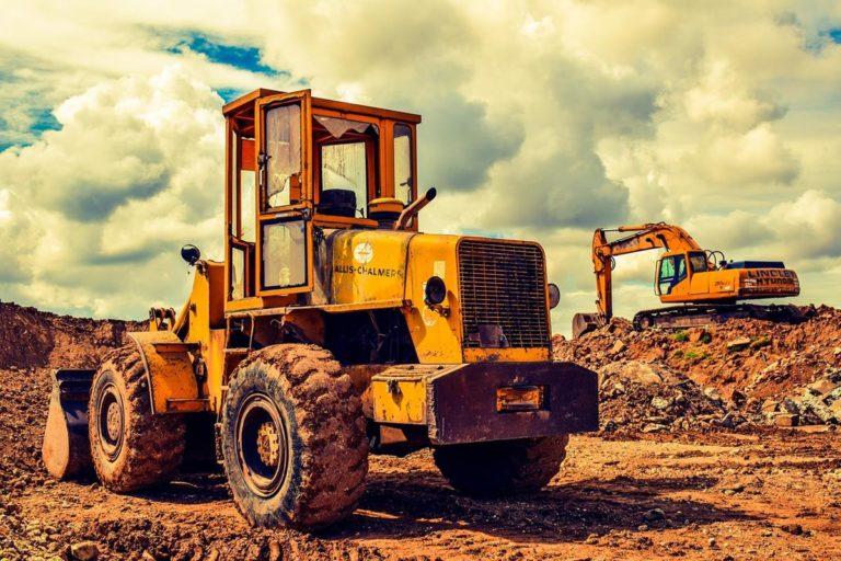 Jak wybierać firmy realizujące usługi specjalne na rynku budowlanym?